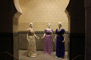 Anciennes blousas de la fin du XXe siècle exposée au palais royal el Mechouar(Tlemcen). (© cic-algerie.org)