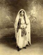 Femme d'Alger portant deux hzem différents, 1910.