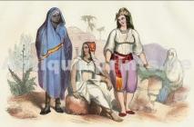 Haïk bleu porté par la communauté noire nord-citadine d'Algérie.