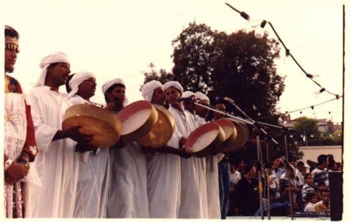 Chanteurs de hidous dans l'Atlas Saharien.